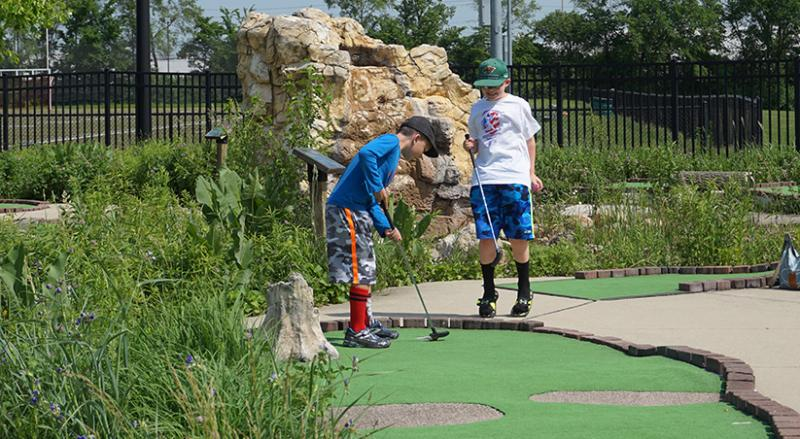miniature golf elmhurst